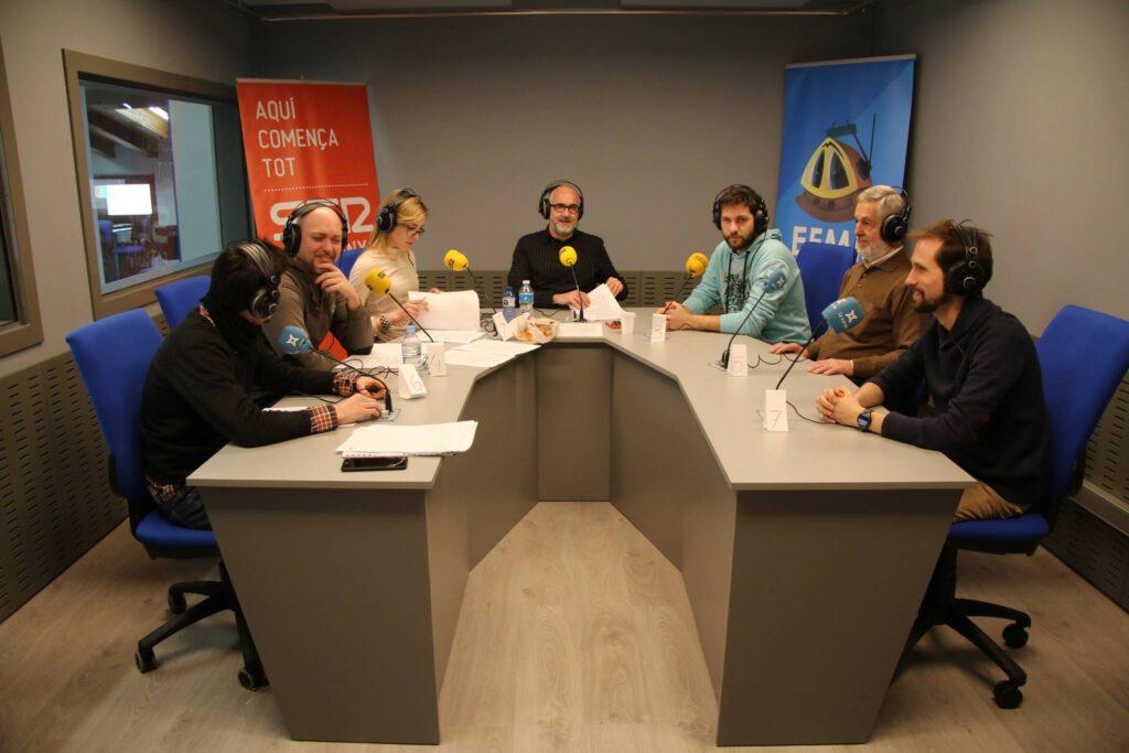 El programa Espècies Protegides des dels nous estudis de l'Espluga FM Ràdio. (Foto: Gerard Bosch)