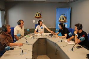 La tertúlia a La Plaça de l'Espluga FM Ràdio. (Foto: Josep Morató)