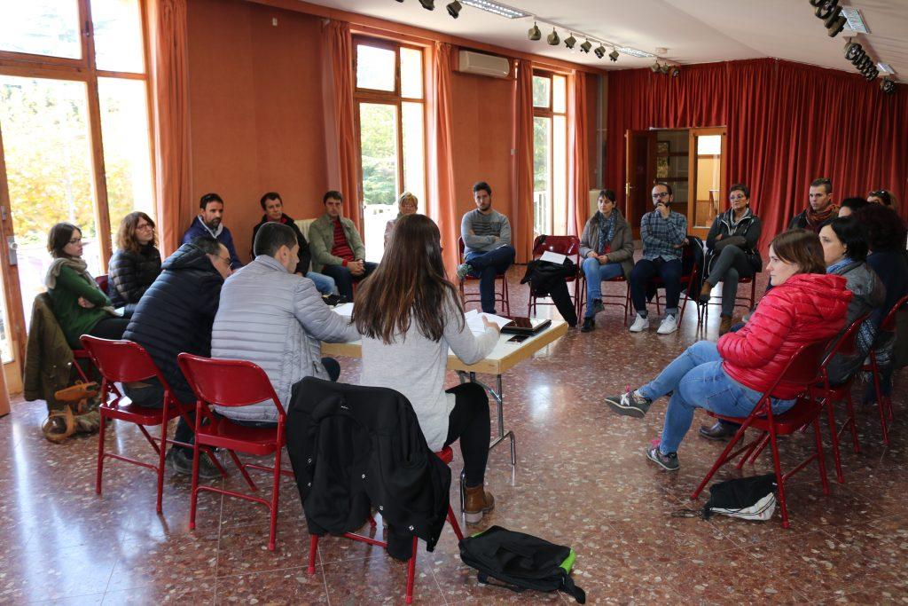 La reunió del Consell Sectorial d'Entitats de l'Espluga, aquest dissabte. (Foto: Xavier Lozano)